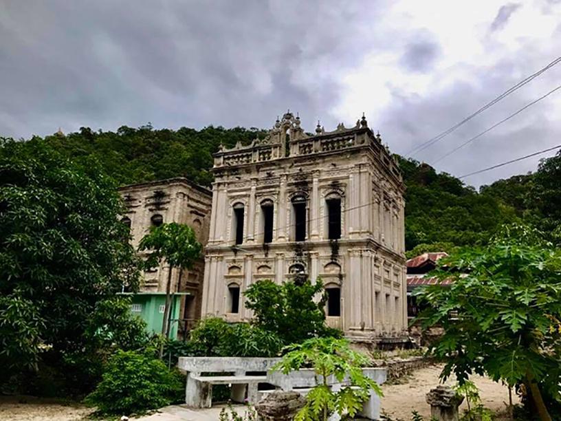 Mawna monastery.