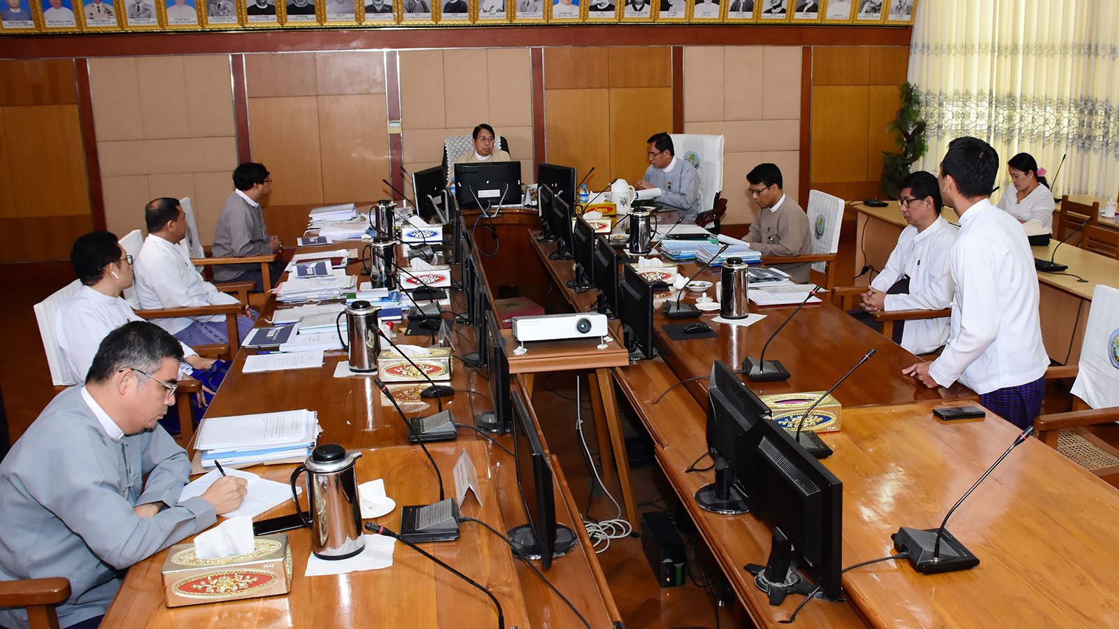 Union Minister Dr Pe Myint held the meeting with officials from ABC Content Solution Co Ltd (Mahar Mobile Application) in Nay Pyi Taw yesterday. Photo: MNA