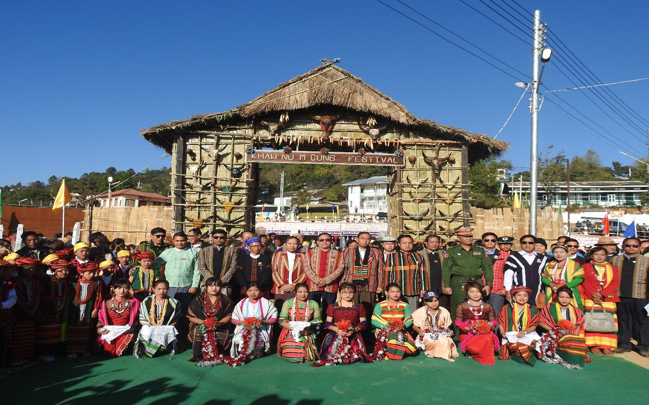 Officials and ethnic people pose for the group photo at the Khaw Nu M Cung Festival in Chin State.