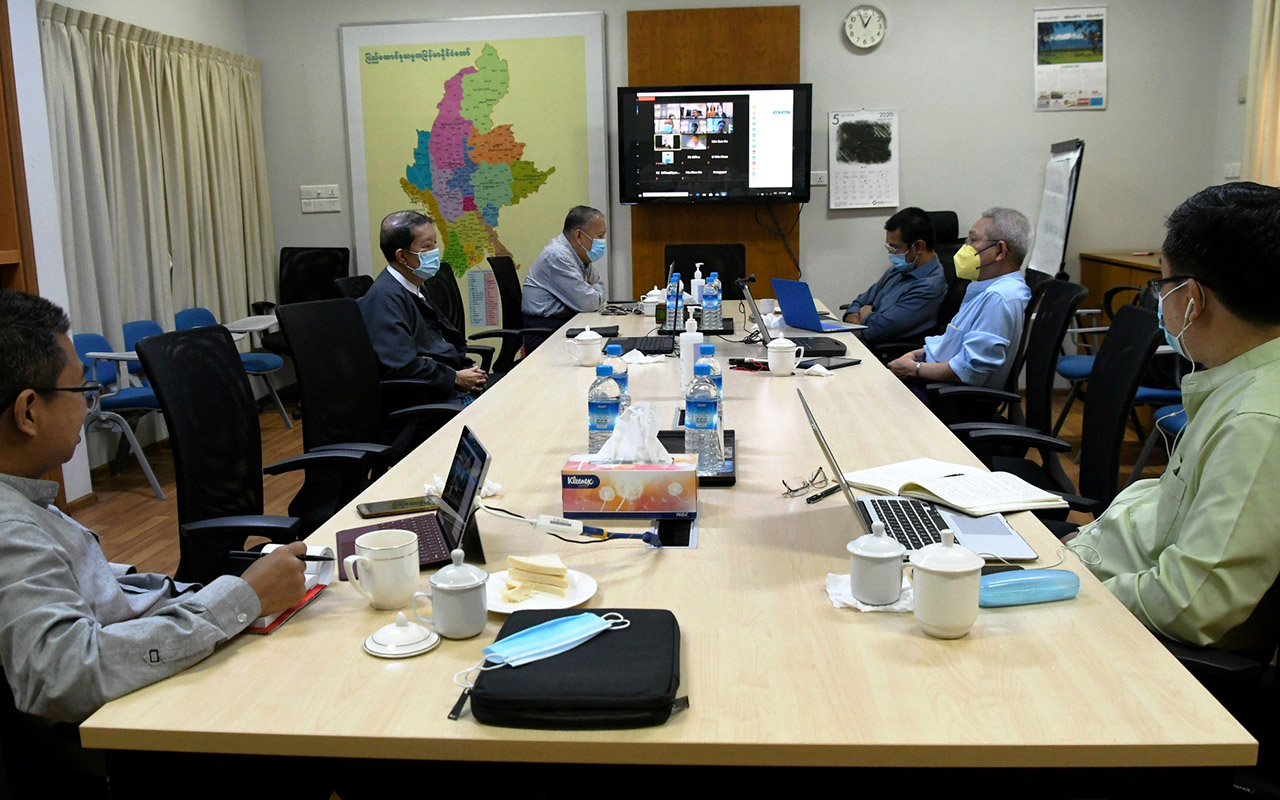 National coordination committee for negotiating COVID-19 measures with ethnic armed organizations hold online video conference with Arakan Liberation Party yesterday.Photo: Poe Htaung