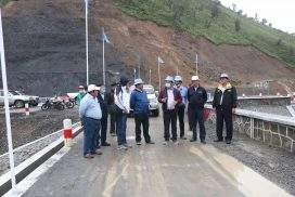 Chin State Minister inspects construction works at Lower Laivar Dam