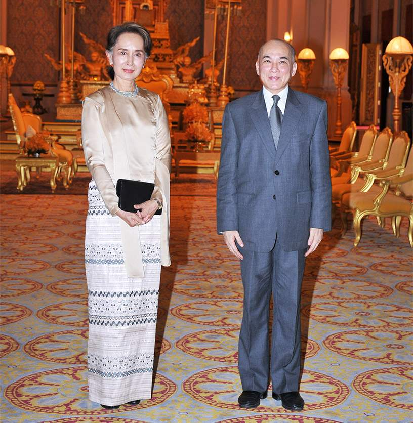 His Majesty Preah Bat Samdech Preah Boromneath Norodom Sihamoni, King of Cambodia, grants a royal audience to Daw Aung San Suu Kyi, State Counsellor of the Republic of the Union of Myanmar, at the Royal Palace in Phnom Penh, 30 April 2019.