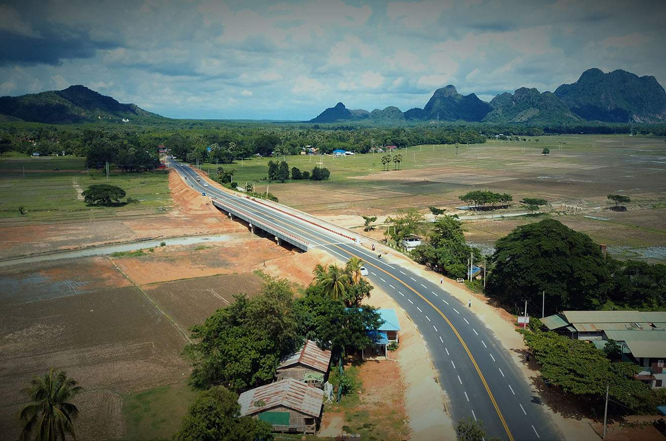 The new Naung Lone Bridge in Hpa-an Township, Kayin State, completed on 5 June 2020 makes better communication for local people.  Photo: Saw Myo Min Thein (IPRD)