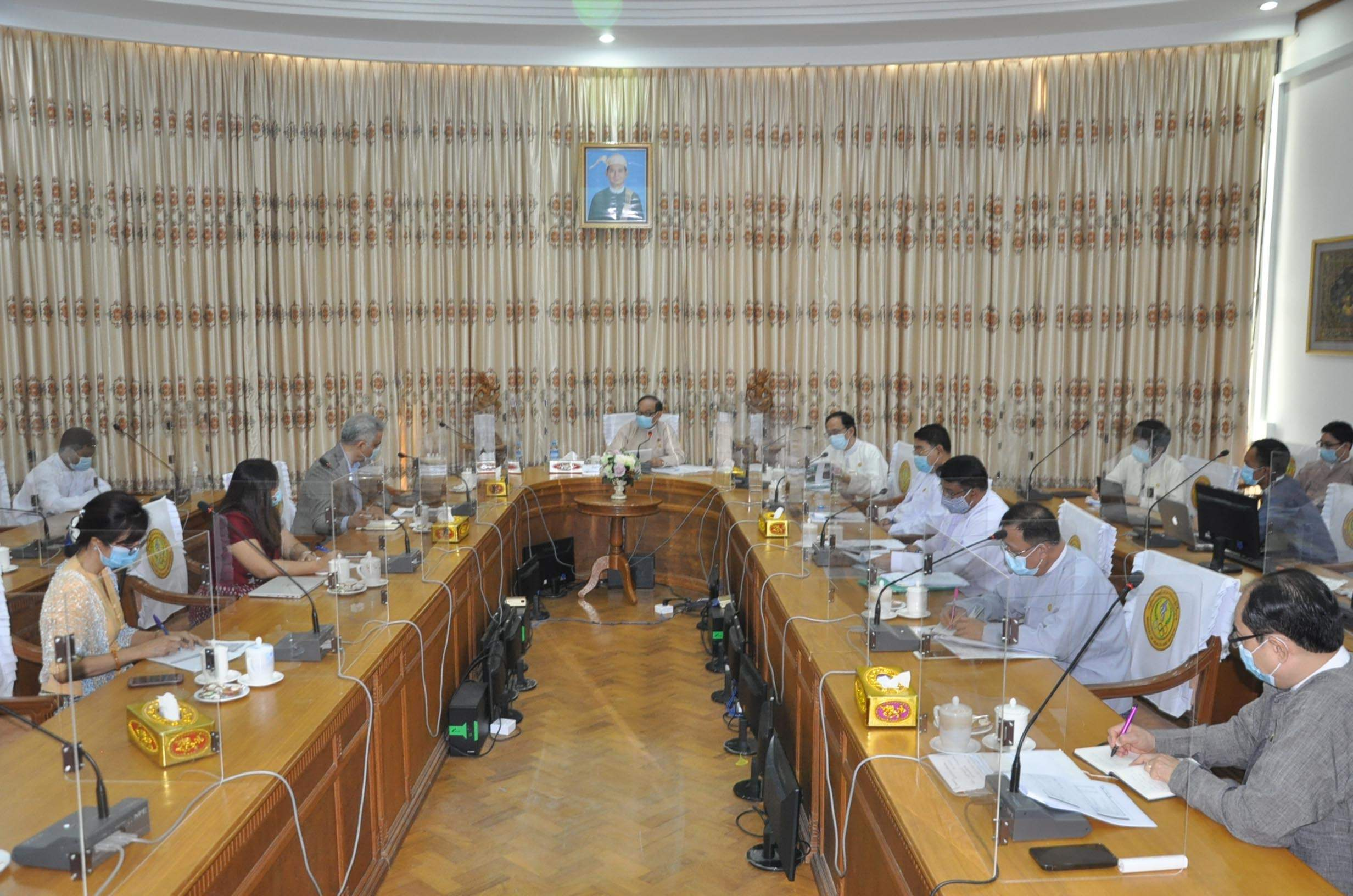 Union Minister for Health and Sports Dr Myint Htwe holds talks with delegates from The Defeat-NCD Partnership at his office in Nay Pyi Taw on 27 July 2020. Photo: MNA