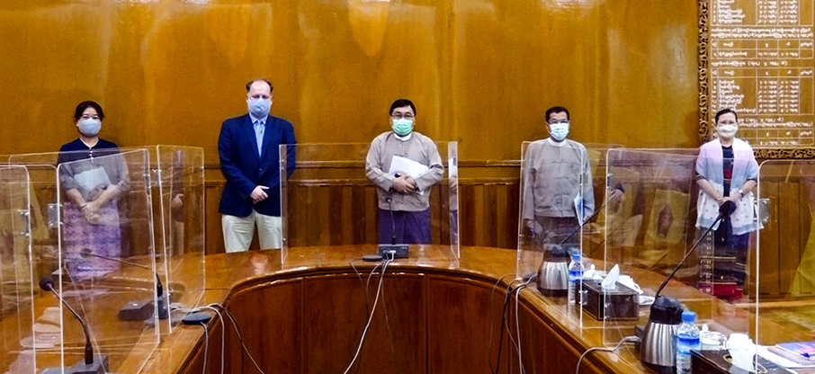 Union Minister Dr Win Myat Aye discusses assistance of WFP on 5 August. Photo: MNA