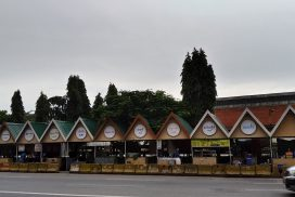 Shops reopen at Yangon night market