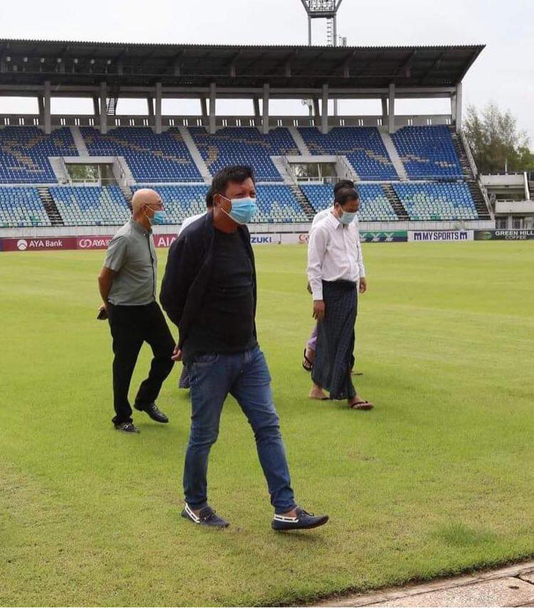 Myanmar Football Federation President U Zaw Zaw and football authorities inspect the condition of Thuwunna Stadium in Yangon on 15 August 2020. Photo: MFF