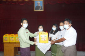 Cooking oil provided to 13,869 households with irregular income in Maungtaw