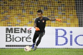 MNL fans meet two Myanmar star goalkeepers online