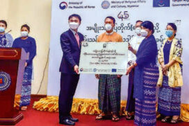 ROK Embassy hands over 100 audio-guide to National Museum in Yangon