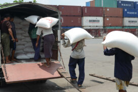 Myanmar to sell rice to China only with down payment system