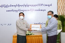 Ministry of the Office of the State Counsellor donates cash assistance to IDPs in Rakhine State