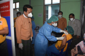 400 health workers, volunteers get vaccinated in Yangon
