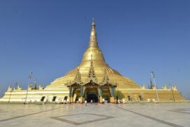 Pilgrims visit famous pagodas