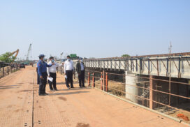 Union Minister for Transport and Communications inspects Yangon-Toungoo railway upgrade