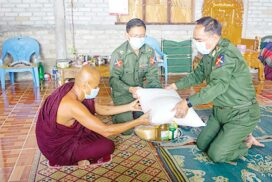 Tatmadaw officials donate offertories, medical items to monks, nuns