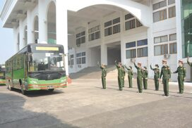 15th batch of volunteer military corps depart to exchange duty at COVID-19 centre (Phaunggi)