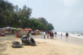 Ngapali beach being thronged with travellers  on Thingyan second day