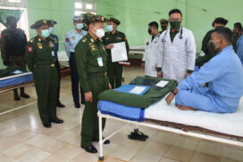 Vice-Senior General Soe Win comforts Tatmadaw members,  local people receiving treatments at Bahtoo military hospital