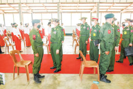 Vice-Chairman of State Administration Council Vice-Senior General Soe Win meets officers, other ranks, their families, cadets in Yamethin Station