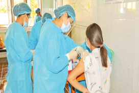 Over 1 mln people in Myanmar receive COVID vaccine first jabs